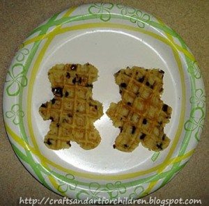 Bear Theme: Teddy bear shaped waffles