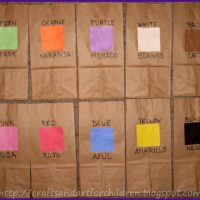 Color Scavenger Hunt Activity for Kids ~ Learning Spanish Colors Activity