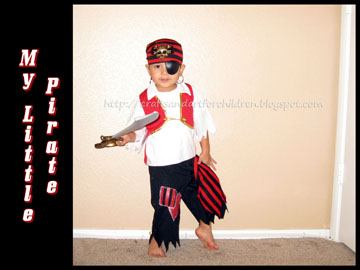 Momma's Little Pirate {Halloween Costume}