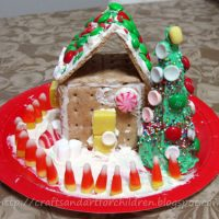 Graham Cracker Gingerbread House & Ice Cream Cone Christmas Tree