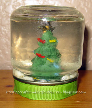 Snowglobes Made From Baby Food Jars Artsy Momma