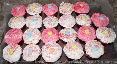 easy-to-make-valentines-cupcakes