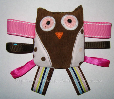 Crinkly Owl Taggie Toy