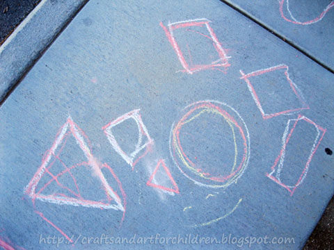 Head outdoors with your preschoolers to learn how to draw shapes! Fine motor prewriting activity