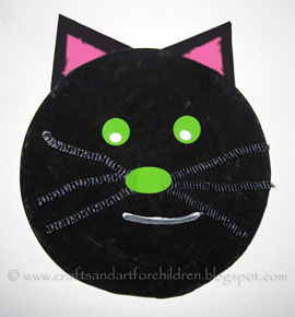 Halloween Craft: Black Cat