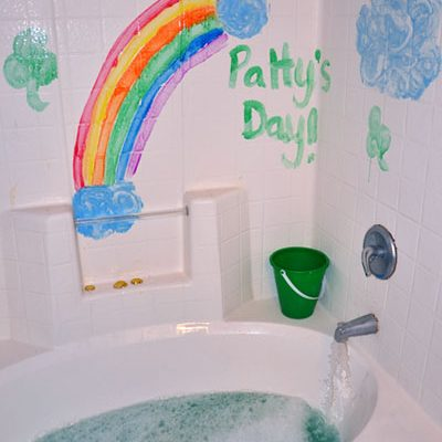 St Patrick's Day Bath Activity for Kids