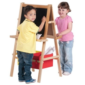 10 Easel Crafts & Activities for Kids