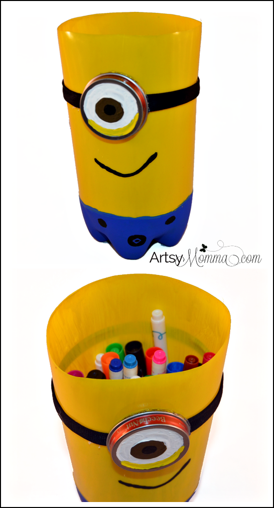 These Plastic Bottle Minions are absolutely cracking me up! Tutorial from Artsy Momma