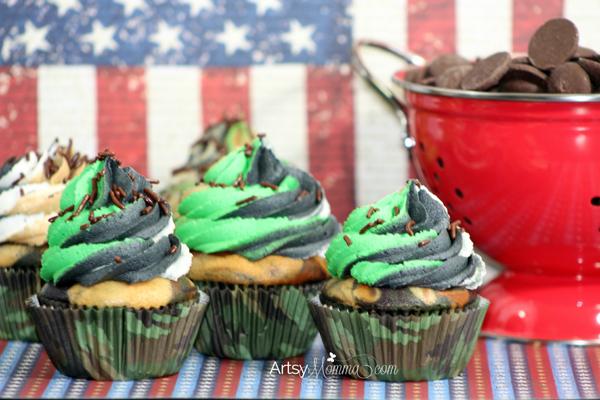 Patriotic Camouflage Cupcakes | Memorial Day Dessert