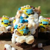 Fun Minions Snack Recipe: Brownie S'mores