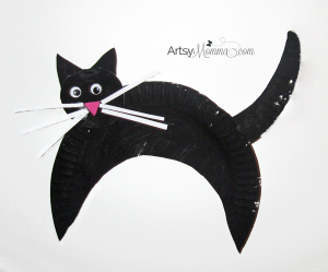 Make a Paper Plate Black Cat Craft for Halloween!