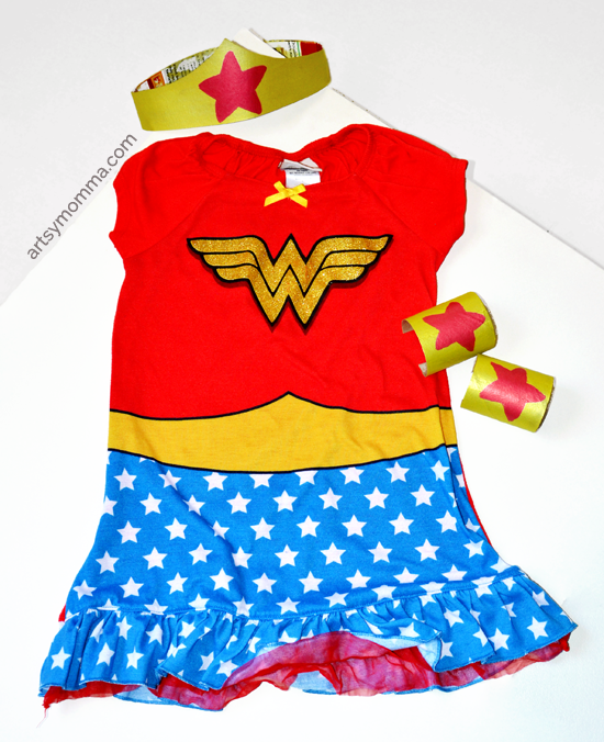 DIY Wonder Woman Tiara & Bracelet Cuffs - Imaginative Play or a fun Halloween Costume!