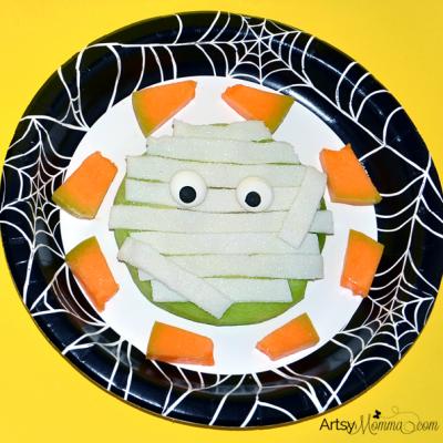 Fun Mummy Melon Fruit Snack for Halloween!
