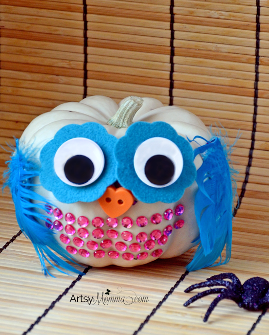 How to make a no-carve Mini Pumpkin Owl