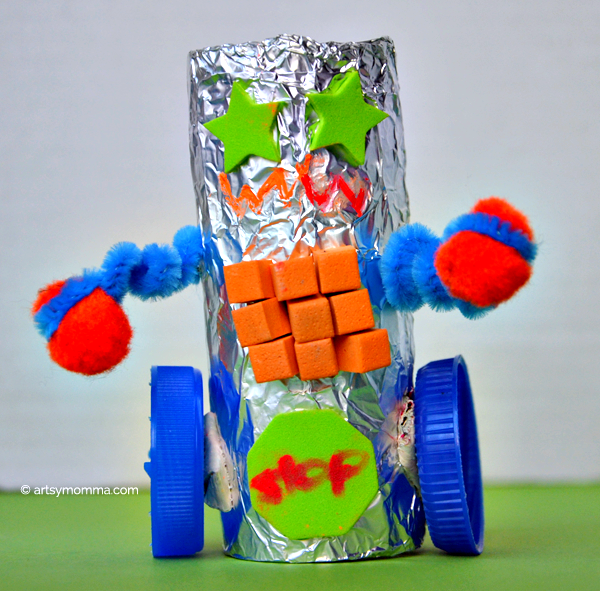 Tin Foil Robot Craft - Recycled Cardboard Tube Idea