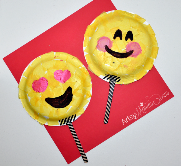 Paper Plate Emoji Mask Craft - DIY Photo Prop
