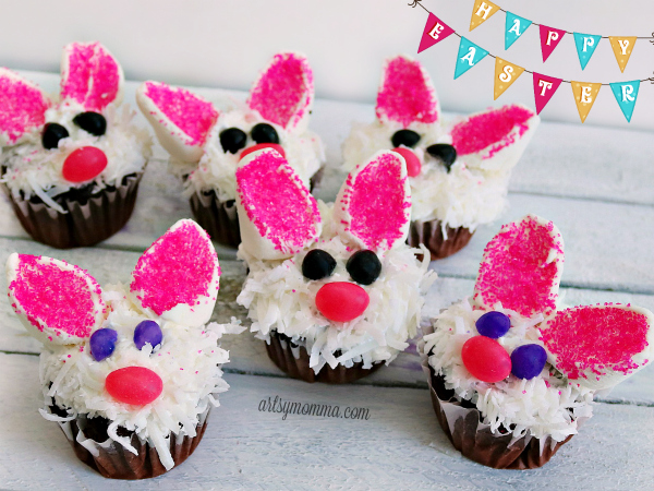 How to make Easter Bunny Cupcakes using coconut and marshmallows