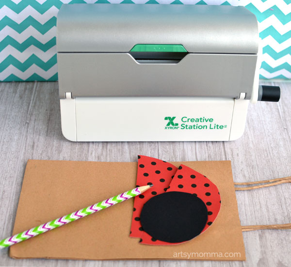How to make a Paper Gift Bag with a Ladybug