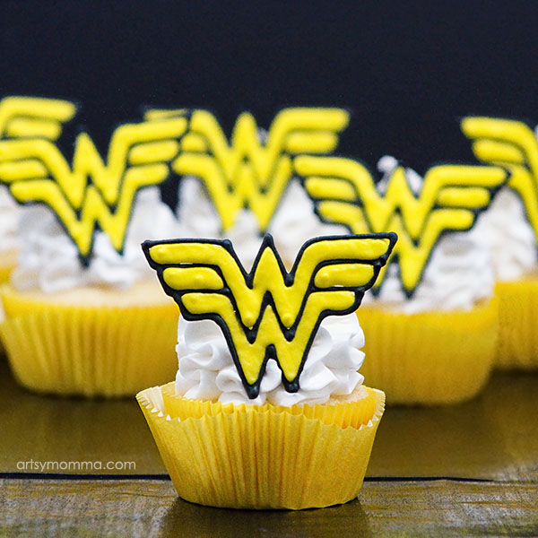 Royal Icing Wonder Woman Cupcake Toppers Tutorial