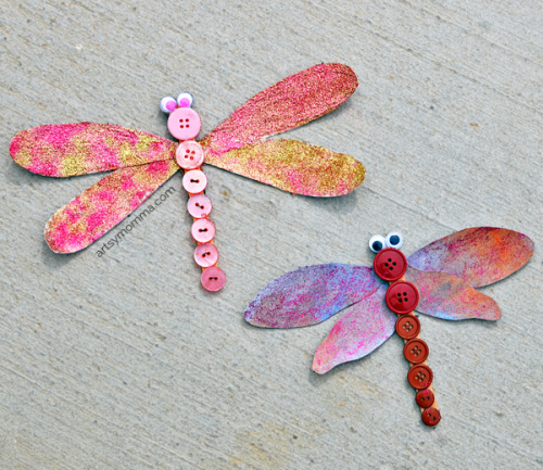 How to make glittery Button Dragonfly Crafts with the kids!