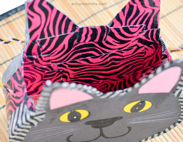 How to make a Cardboard Purse from a Cereal Box - Kids Wearable Craft