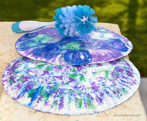 Dish brush painting on paper plates