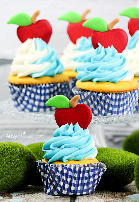 Snow White Apple Cupcake Royal Icing Tutorial