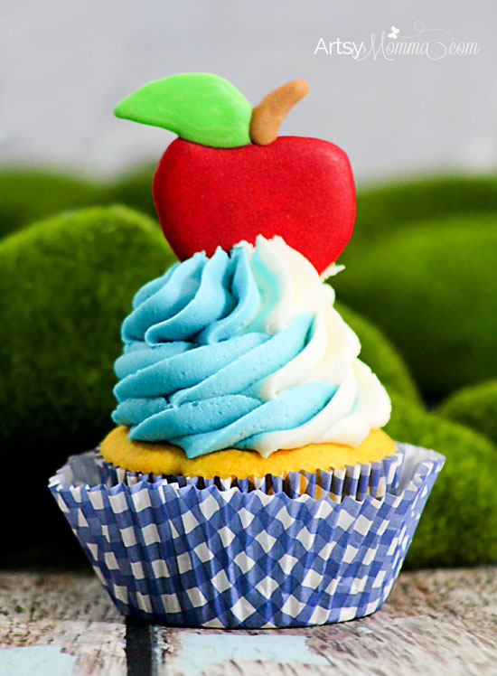 Snow White Royal Icing Tutorial   Birthday Party Cupcakes