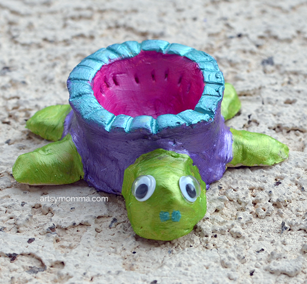 DIY Clay Pottery Dish Shaped Like a Turtle