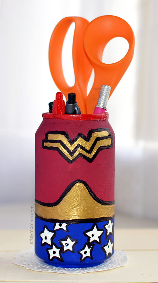 Recycled Soda Can: DIY Wonder Woman Pencil Holder Idea