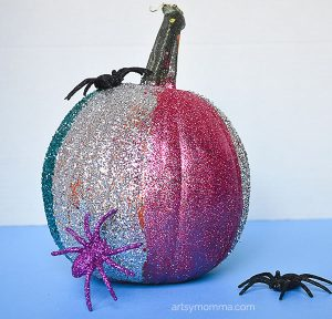 DIY Glitter Pumpkin Idea for a Sparkly Halloween!