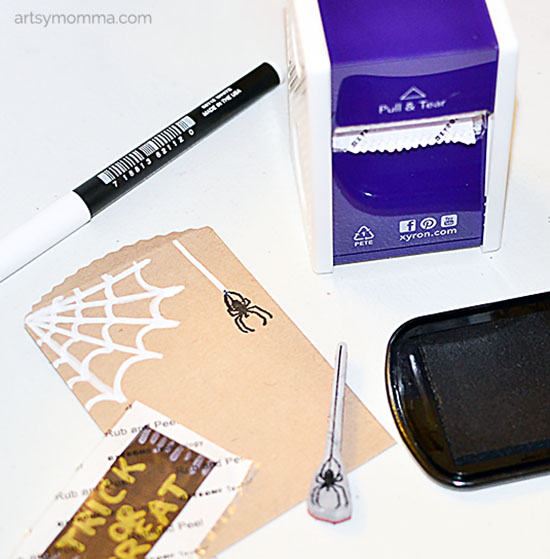 mini-halloween-spider-party-favor