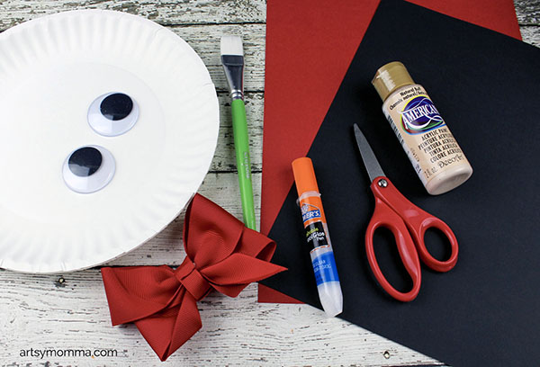 Supplies for making a Paper Plate Vampire
