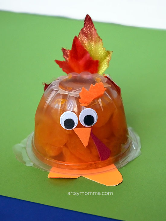 Easy Snack Cup Turkey Craft Idea for Classroom/Party Favors