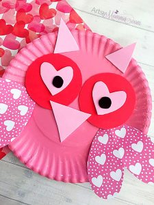 How to make a Valentine's Day Paper Plate Owl Craft With Heart Shapes