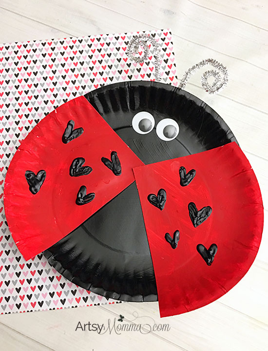 Isn't this cute? Click to read the tutorial & materials needed to make this Paper Plate Ladybug with Heart Craft for Valentine's Day!