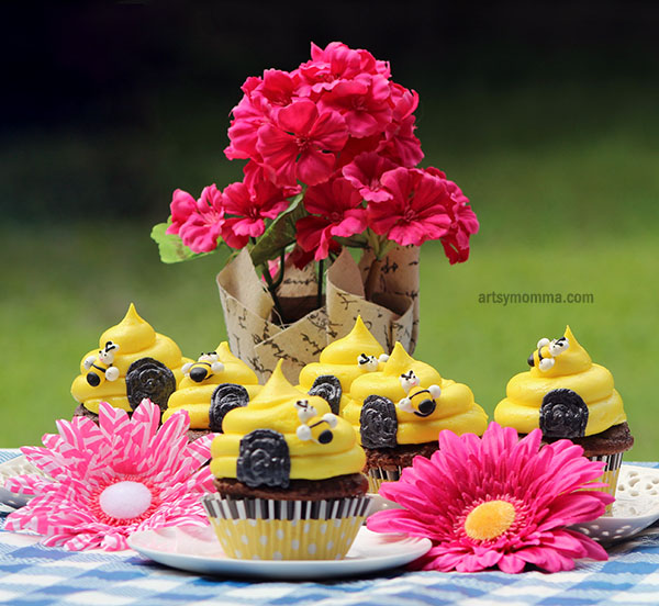 DIY Bumble Bee Party Cupcake Recipe and Tutorial