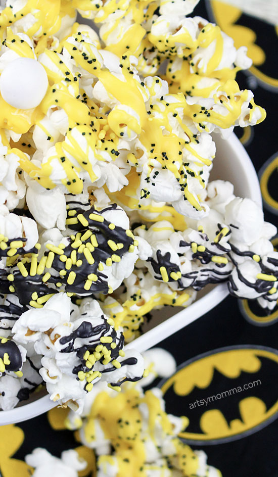 Batman-inspired movie popcorn tutorial