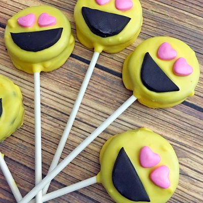 Hilariously Delicious Emoji Oreo Pops Tutorial