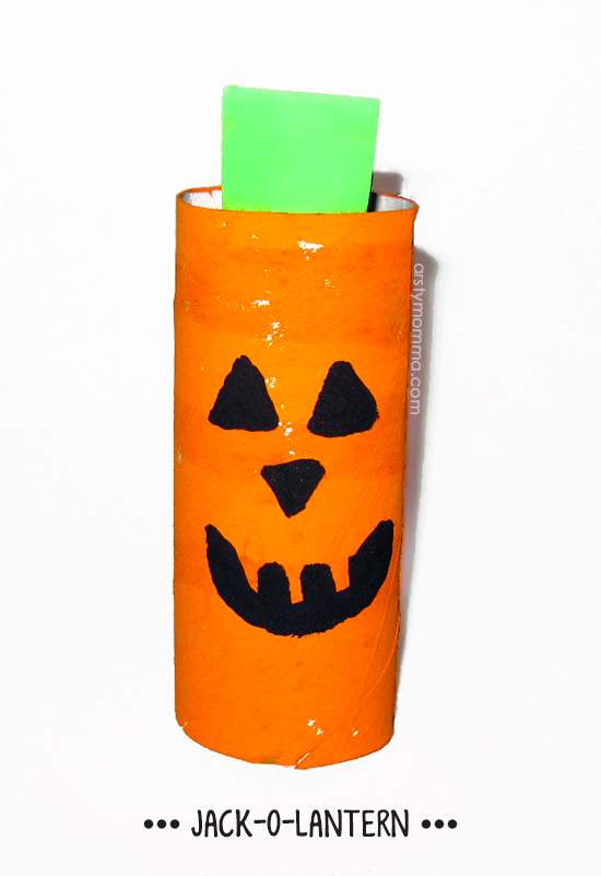 Recycled TP Roll Jack-o-lantern Craft for Halloween