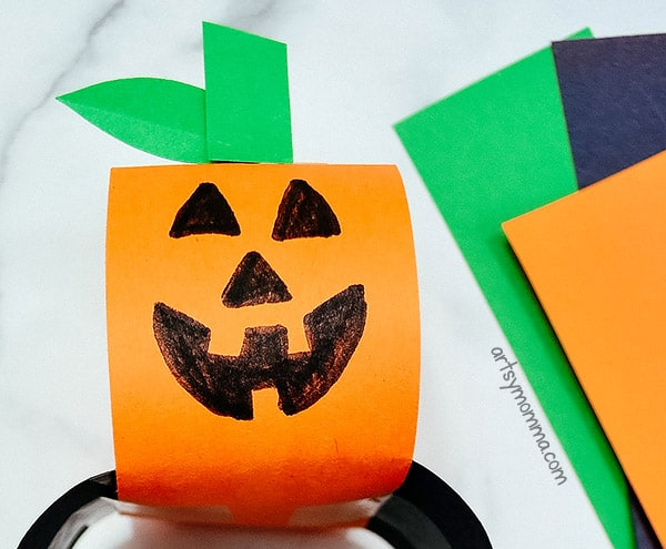 Rolled Paper Chain Jack-o-lantern Craft