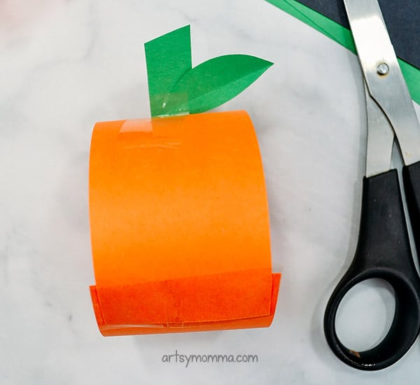 How to make a pumpkin paper chain for Halloween decoration