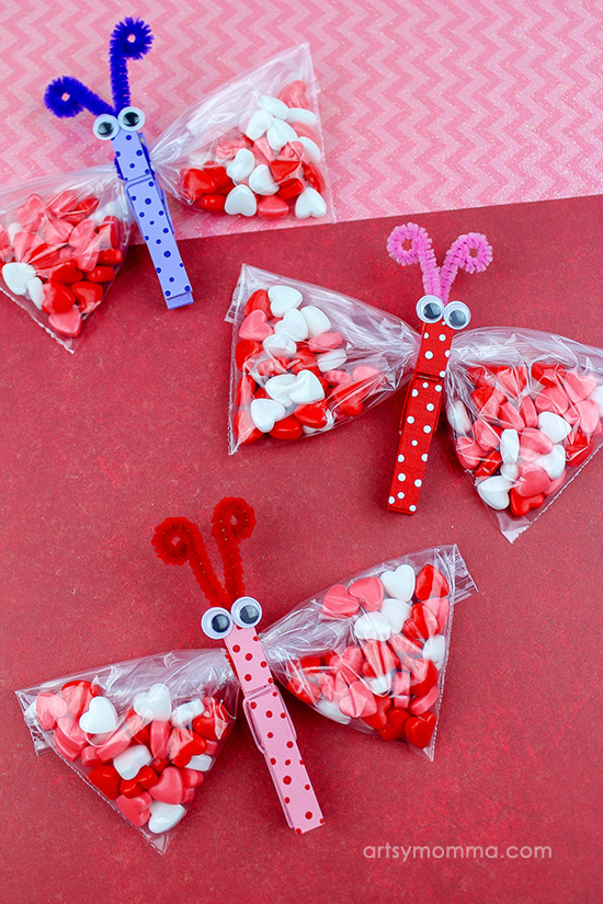 How to make clothespin butterfly candy Valentines using snack sized baggies