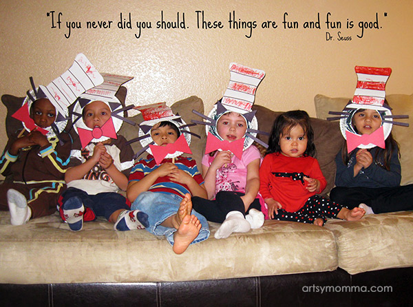 Cute Cat in the Hat Paper Plate Masks - Photo Prop Idea