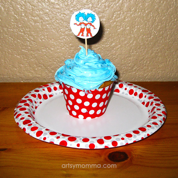 Easy Thing 1 and Thing 2 Cupcake Idea For Kids