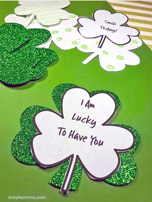 Clover Template to write sayings on